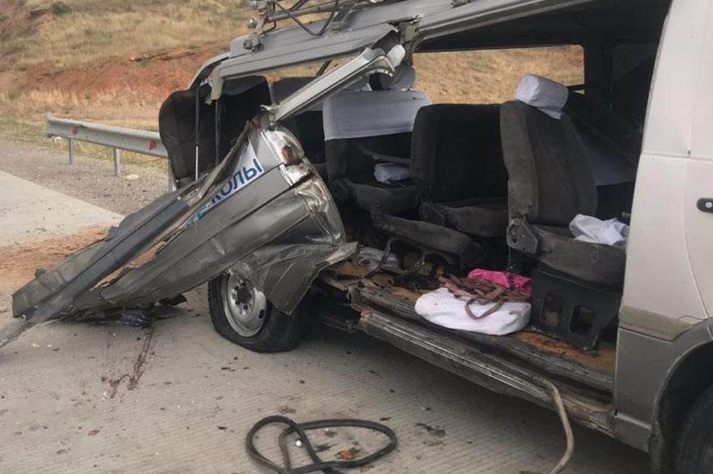 Три человека погибли в аварии Туркестанской области