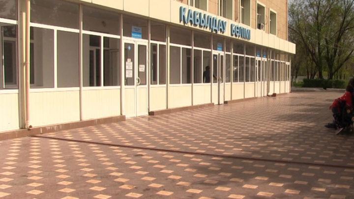 Мальчика, пострадавшего от горячей клизмы, лечить в Шымкенте не будут