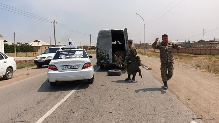 Артиллерийский снаряд упал по середине дороги в 20 км от места взрыва
