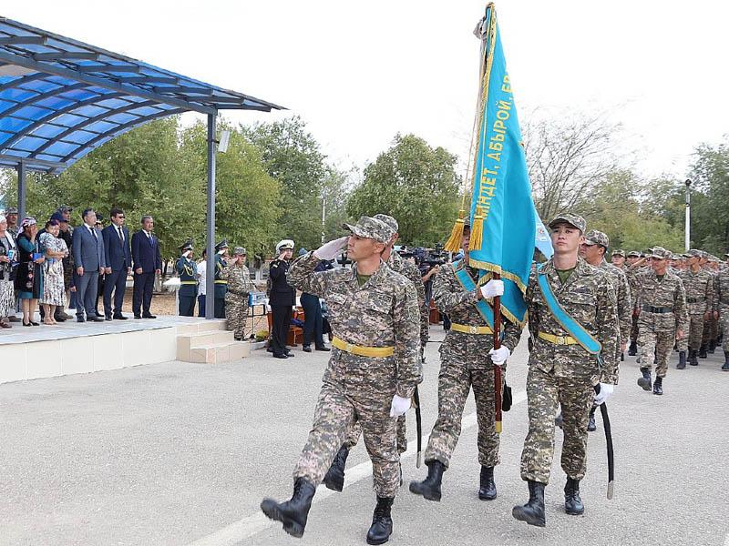 Посмертные награды получили военнослужащие, ликвидировавшие пожар на складах боеприпасов в Арыси