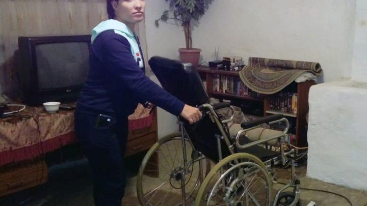 Женщина инвалид выживает в нечеловеческих условиях в Шымкенте