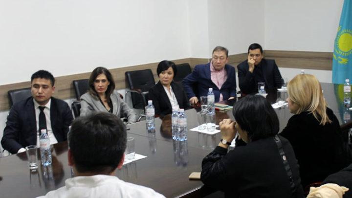 Штаб по разъяснению тонкостей обязательного медицинского страхования начал работать в Алматы