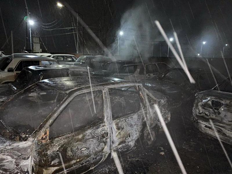 Автомобили на штрафстоянке поджог житель Туркестанской области