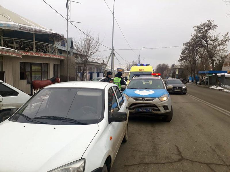 Водителей Шымкента учили уступать дорогу скорой помощи