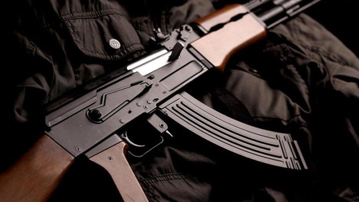24-летний контрактник с арсеналом оружия сбежал из воинской части в Туркестанской области