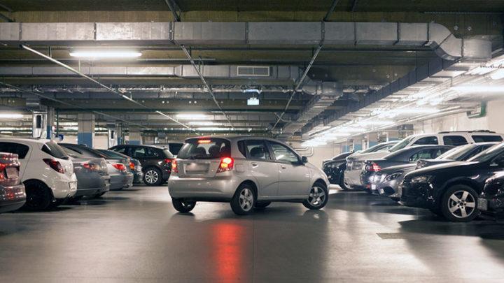 Более 12 тыс тенге придется заплатить водителям автомобилей на газобаллонном оборудование за въезд в паркинг