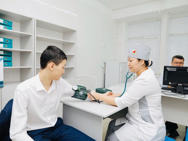 Обратиться к врачам можно из дома