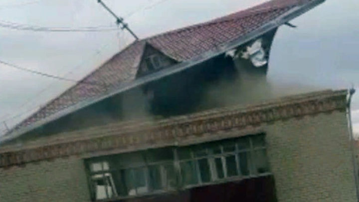Сорванная ветром крыша убила мужчину в Акмолинской области