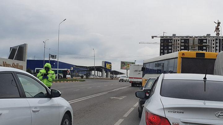 Предприниматели Шымкента возмущены работой базы данных для передвижения по городу