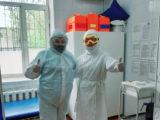 Двоих пациентов после лечения от COVID19 выписывают в Шымкенте
