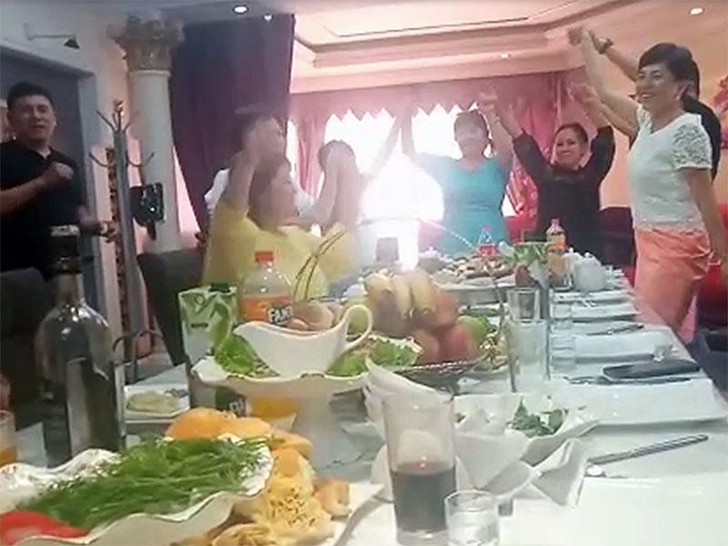 Сотрудники правоохранительных органов во время карантина устроили застолье в тойхане Жетысая