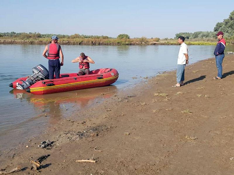 Житель Шымкента устроил переполох на берегу Сырдарьи