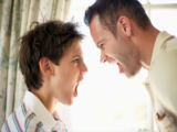 Справиться с агрессивным подростком помогут рекомендации психологов