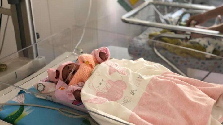Младенца весом 800 гр выхаживают шымкентские врачи