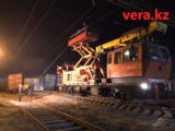Из-за схода вагонов остановлено движение поездов через станцию Шымкент