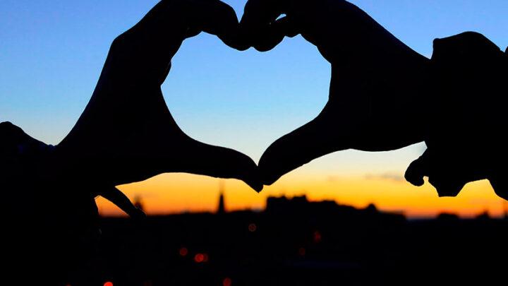 Пережить первую любовь у подростка научат психологи