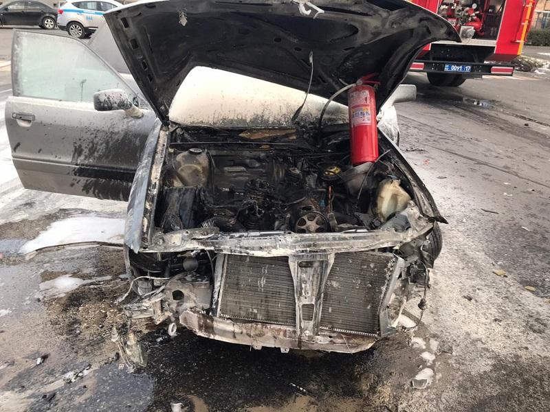 4 автомобиля потушили пожарные в выходные в Шымкенте