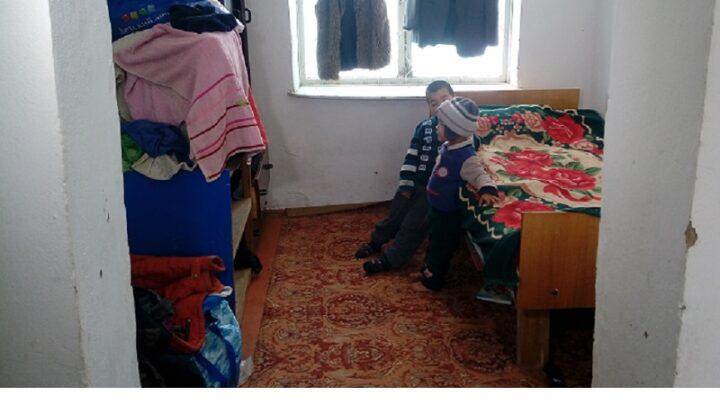 Многодетной семье, живущей на Бозарыке, нужна любая помощь
