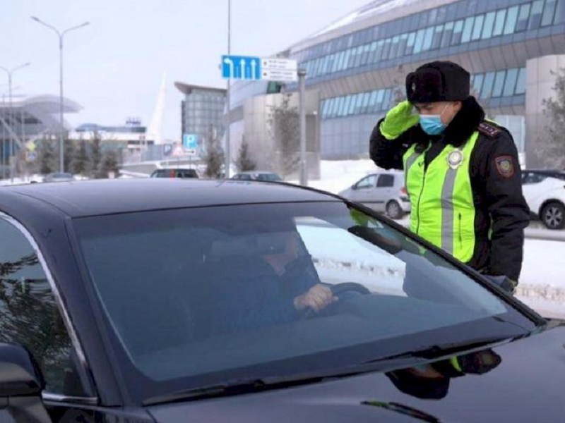 Водительские права и техпаспорт по-прежнему будут получать казахстанцы