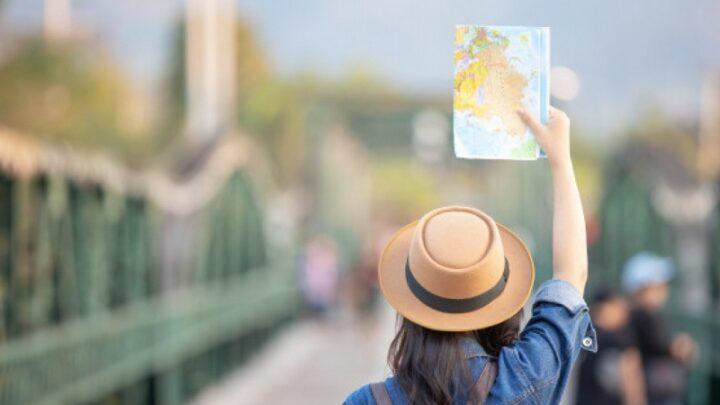 Почти в 4 раза упало число туристов в Казахстан