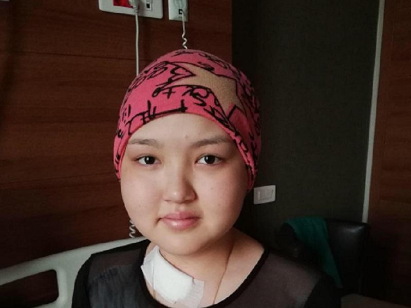 16-летней девушке нужна помощь, чтобы победить рак крови