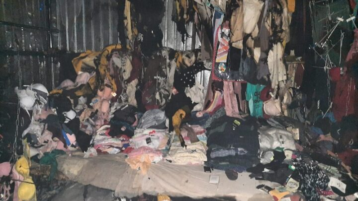 Бутики с одеждой горели на Верхнем рынке Шымкента