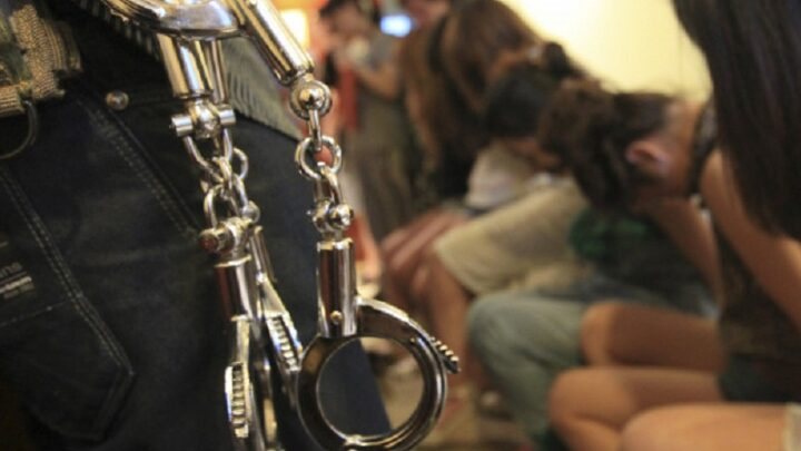 150 томов в уголовном деле о продаже девушек в сексуальное рабство