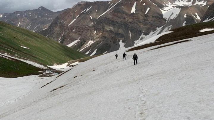 Вертолет отправлен на поиск пропавших туристов в горах Туркестанской области
