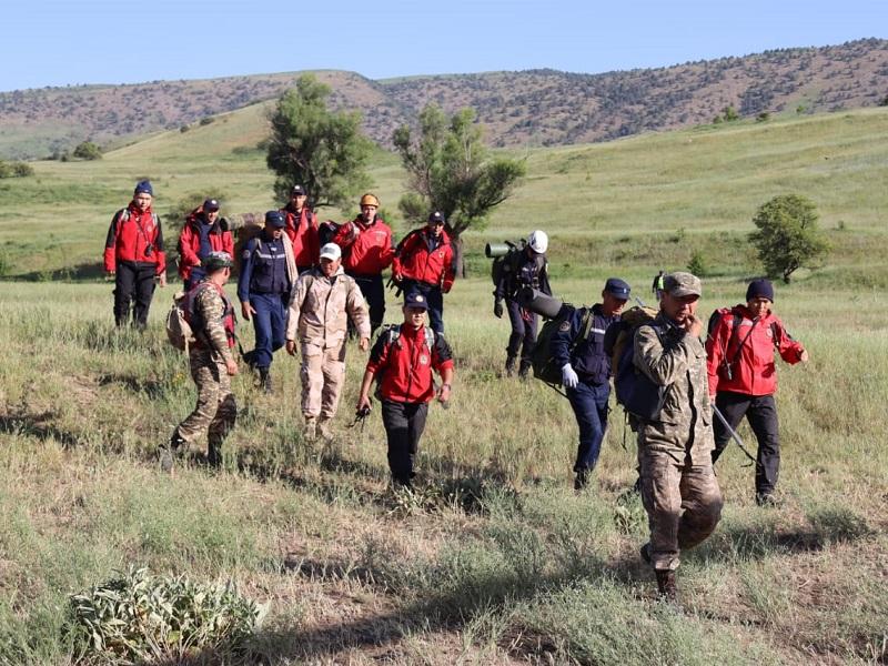Пропавших туристов в горах Туркестанской области начал искать республиканский оперативно-спасательный отряд