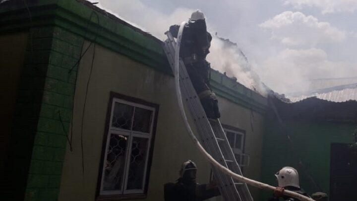 Взрыв газового баллона в доме предотвратили пожарные Шымкента