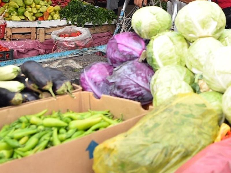 В Шымкенте продавцы на рынке вышли против двухнедельного локдауна
