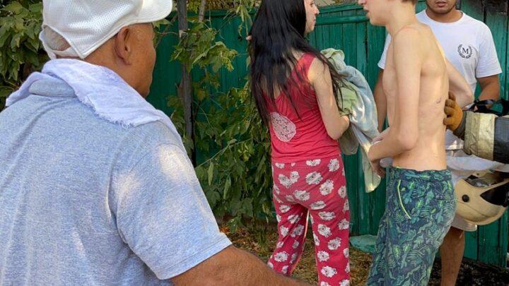 В Шымкенте два человека эвакуировали из-за пожара