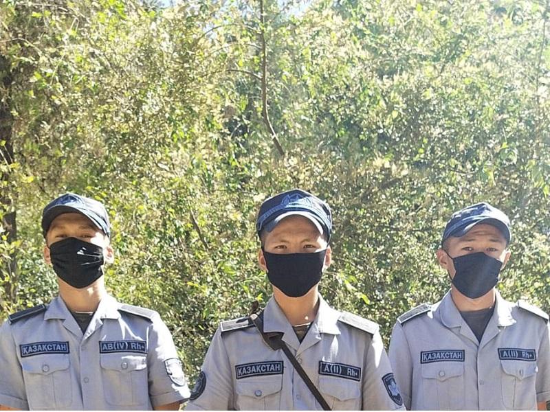 Сомнительный пакет увидели военнослужащие Нацгвардии около шымкентской тюрьмы