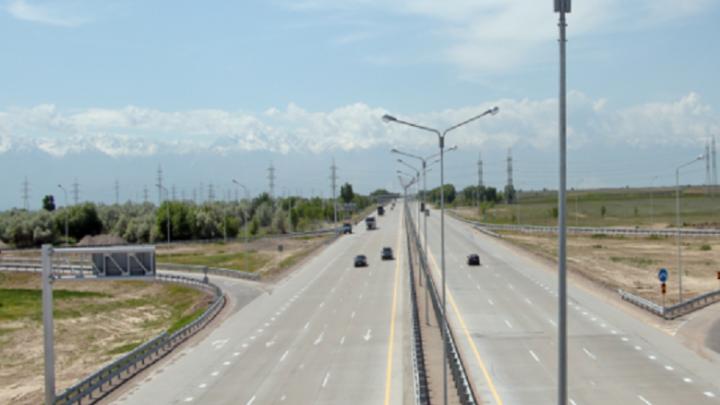 В Казахстане в ноябре водителям придется платить за проезд по дорогам