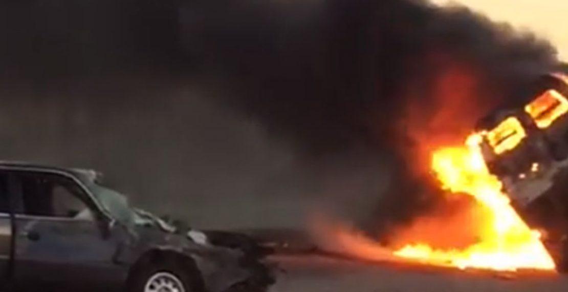 В жуткой аварии в Туркестанской области 1 погиб и 7 травмированы.